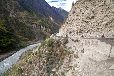 Cycling above the Chandra River